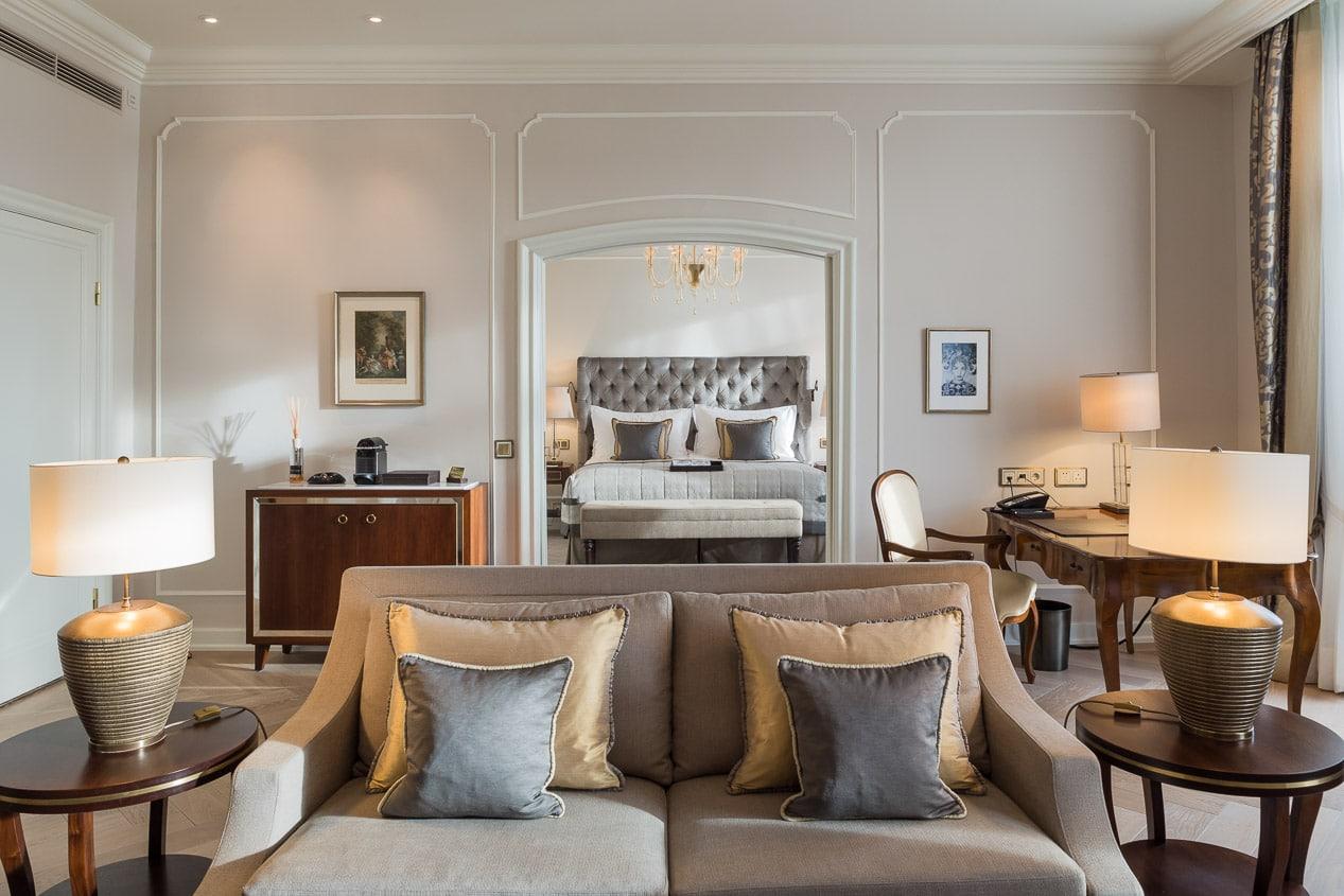 Suite im Vier Jahreszeiten Hotel
