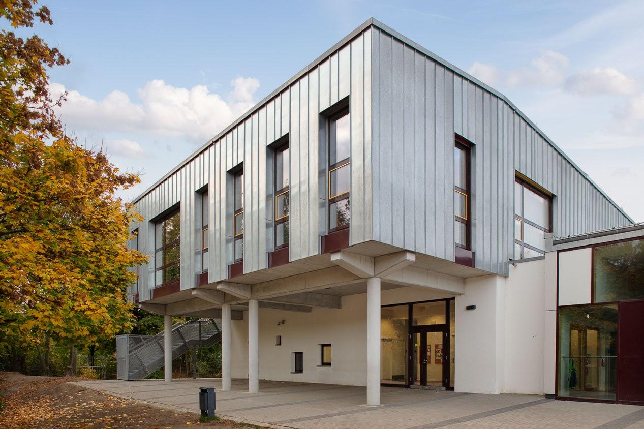 Architekturfotografie Schulgebäude Fassade