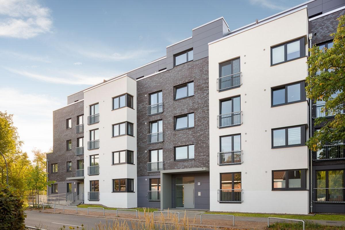 fertige Außenansicht Neubau Architektur